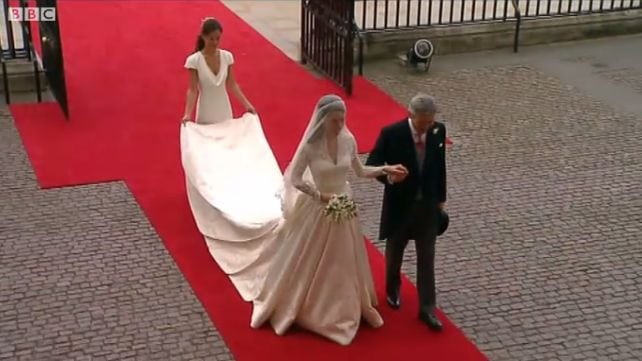 Kate Middleton w drodze do ołtarza. Fot. BBC